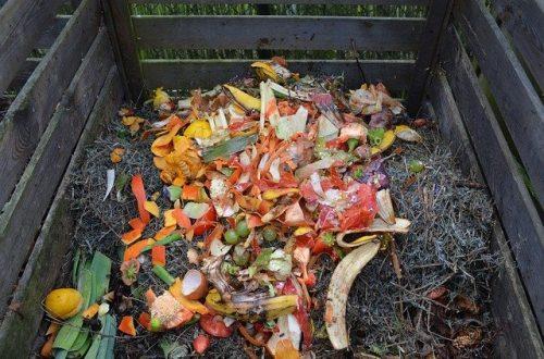pila de composta casera bolas compostables